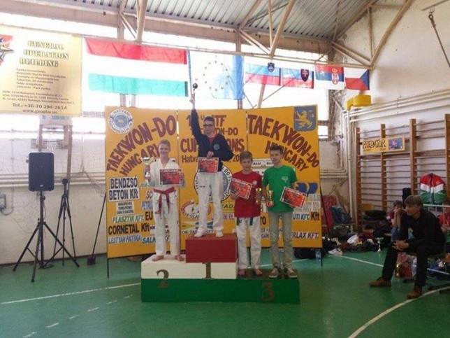 Tóth Balázs serdülő fiú küzdelemben 1. helyezett
